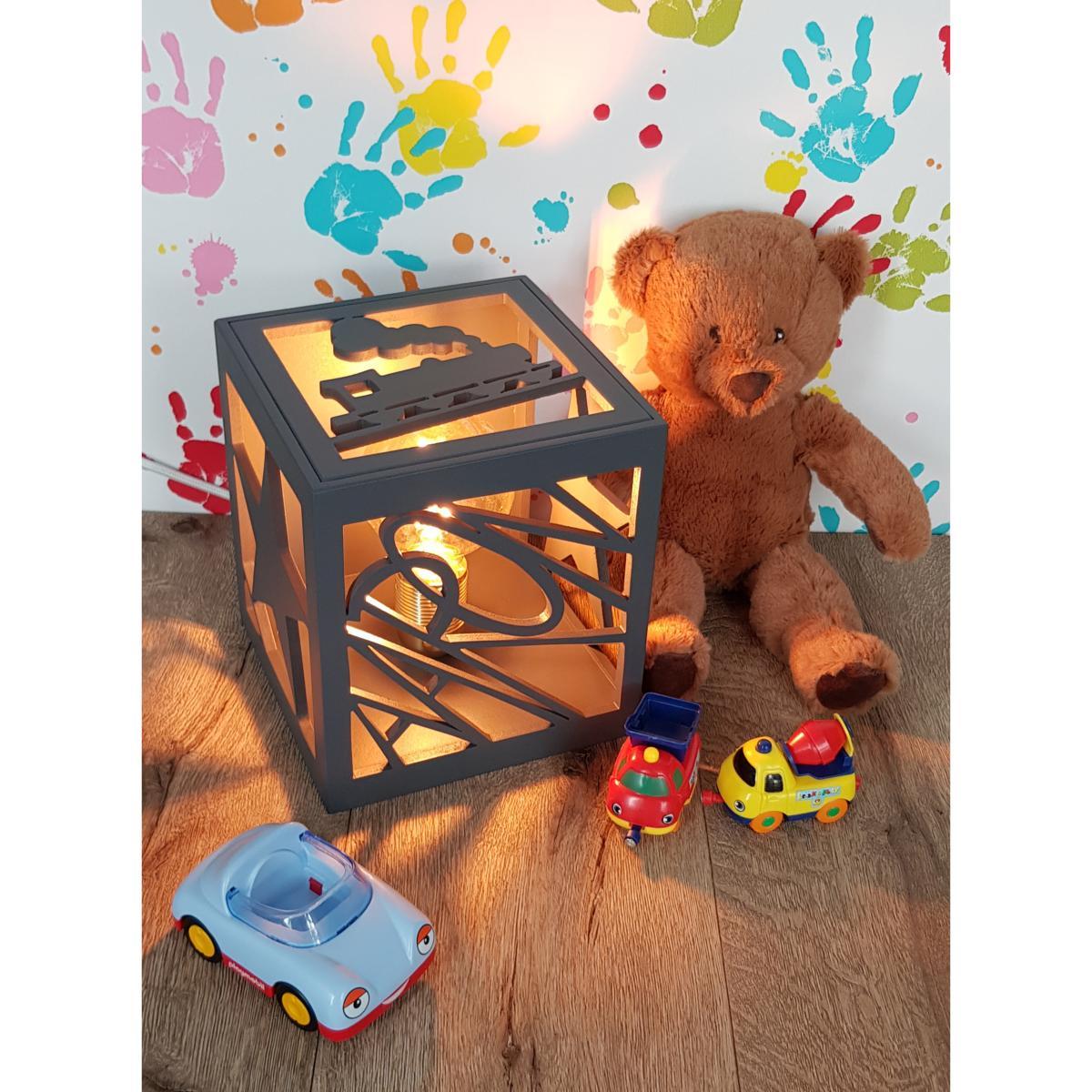 Fabriquer Lampe De Chevet Suspendu lampe de chevet cube prénom personnalisé motif et couleur au choix